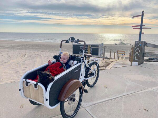 naar het strand met soci.bike bakfiets